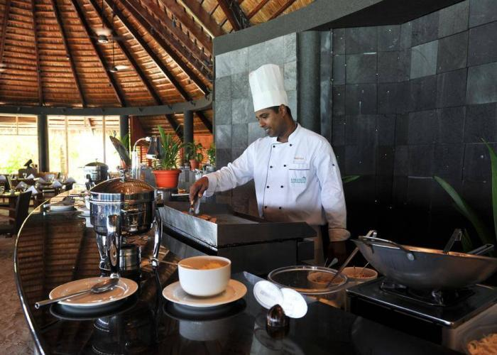 Komandoo Island Resort &Spa Luxhotels (10)