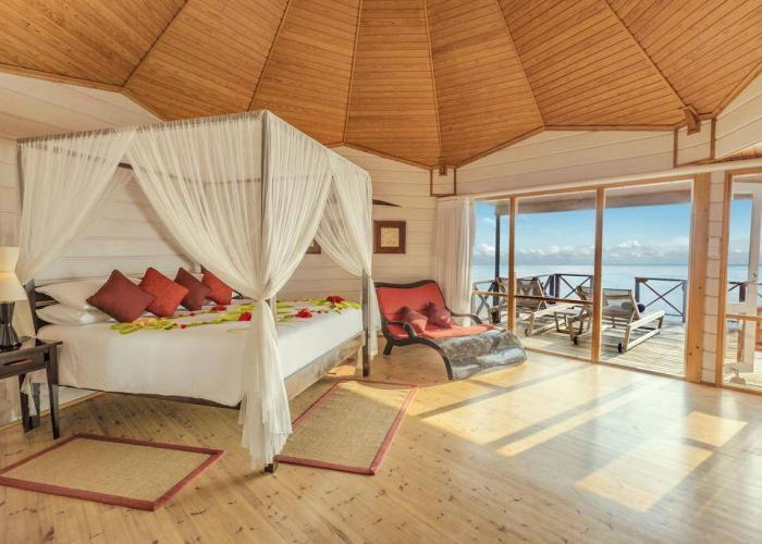 Komandoo Island Resort &Spa Luxhotels (14)