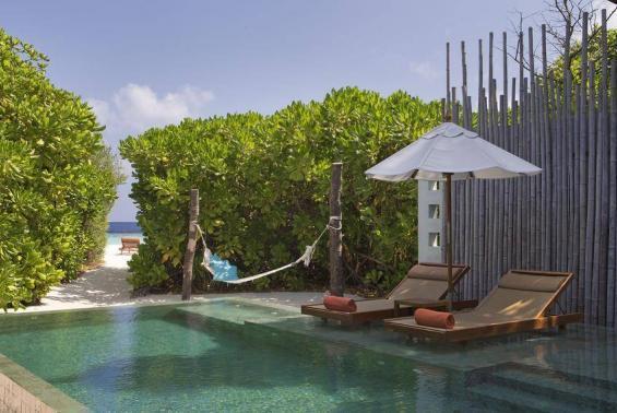 Anantara Kihavah Maldives Villas Luxhotels (3)
