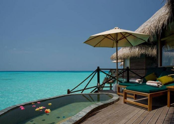 Coco Palm Dhuni Kolhu Luxhotels (14)
