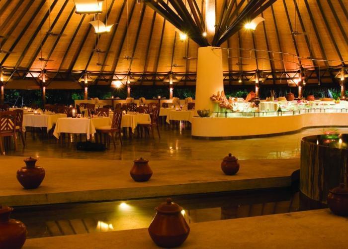 Coco Palm Dhuni Kolhu Luxhotels (7)