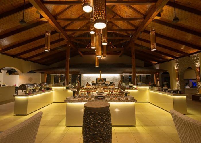 Coco De Mer Hotel And Black Parrot Suites Luxhotels (6)