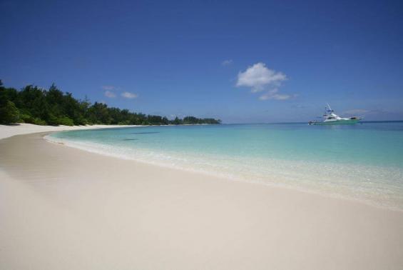 Denis Private Island Seychelles Luxhotels (2)