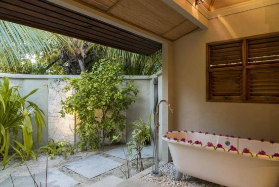 Denis Private Island Seychelles Luxhotels (8)