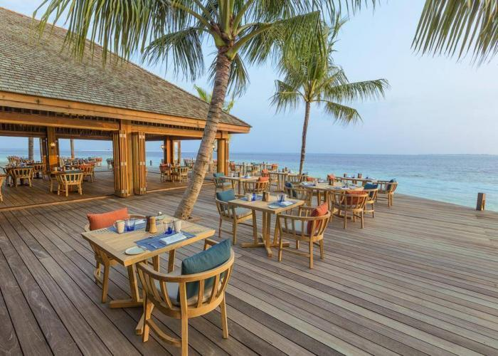 Hurawalhi Island Resort Luxhotels (16)