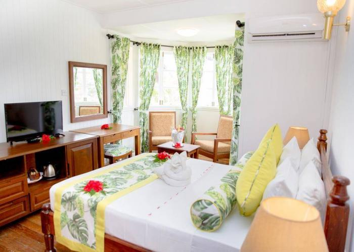 La Digue Island Lodge Luxhotels (1)