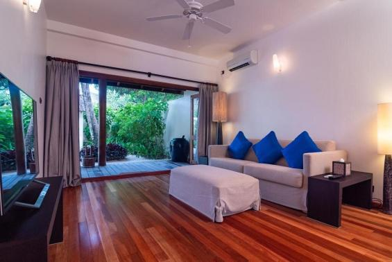 Mirihi Island Resort Luxhotels (3)