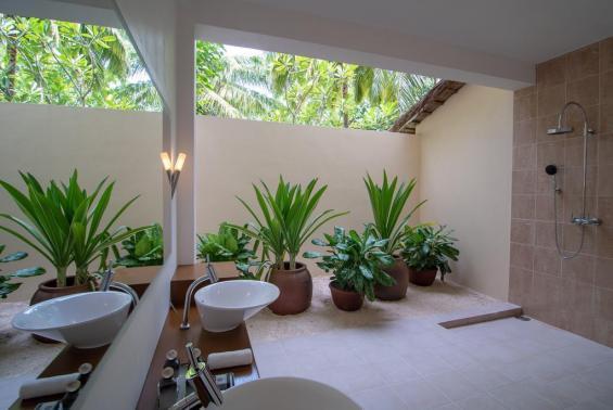Mirihi Island Resort Luxhotels (6)