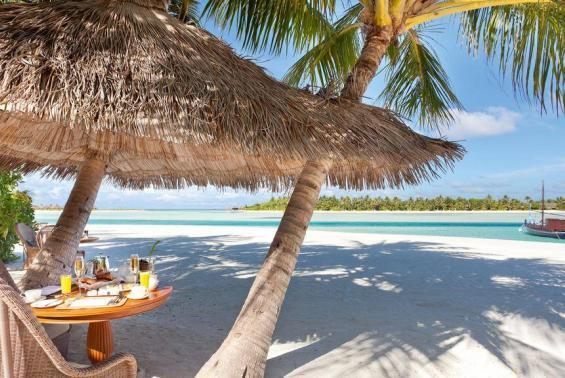 Naladhu Maldives Luxhotels (5)