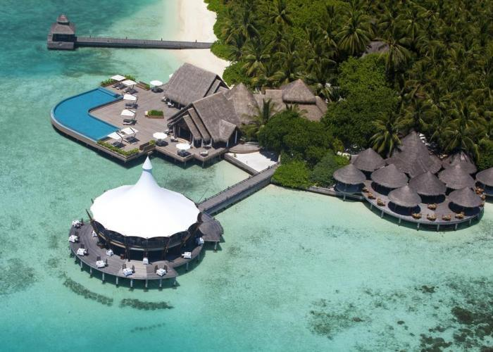 Baros Maldives Luxhotels (7)