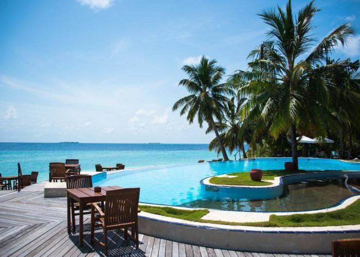 Filitheyo Island Resort Luxhotels (11)
