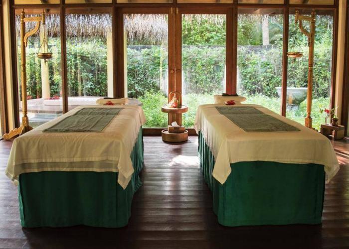 Filitheyo Island Resort Luxhotels (12)