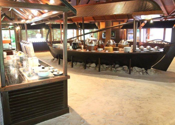 Filitheyo Island Resort Luxhotels (16)
