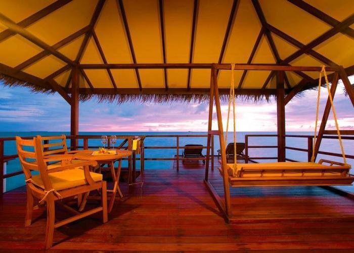 Filitheyo Island Resort Luxhotels (2)