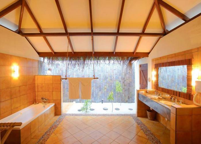 Filitheyo Island Resort Luxhotels (4)