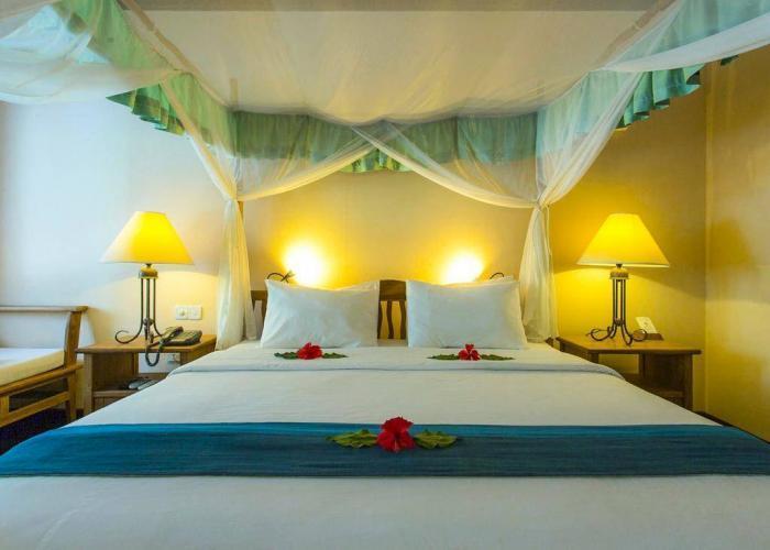 Filitheyo Island Resort Luxhotels (6)