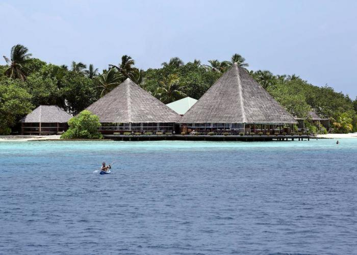 Gangehi Island Resort Luxhotels (9)