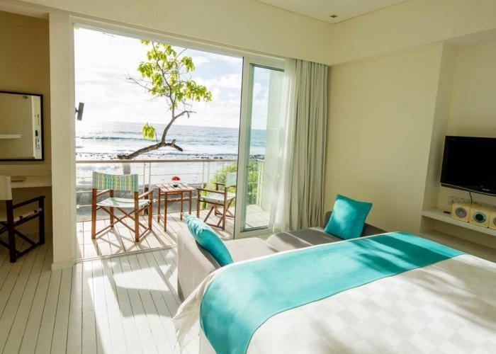 Holiday Inn Resort Kandooma Maldives Luxhotels (12)