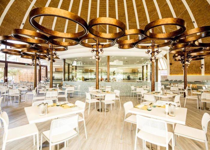Holiday Inn Resort Kandooma Maldives Luxhotels (15)