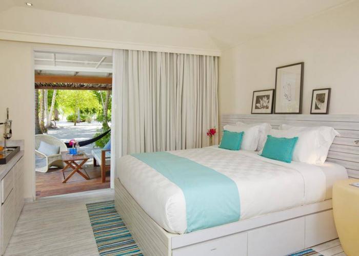 Holiday Inn Resort Kandooma Maldives Luxhotels (2)