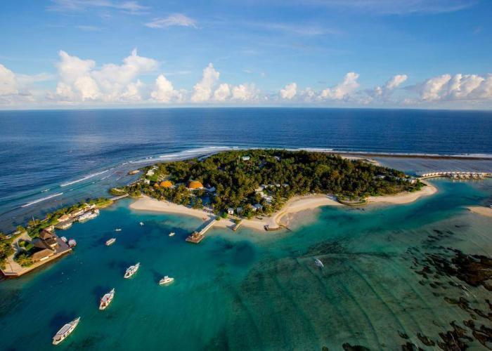 Holiday Inn Resort Kandooma Maldives Luxhotels (8)