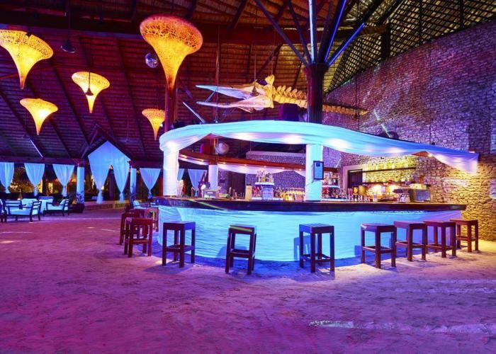 Kuredu Island Resort Luxhotels (8)