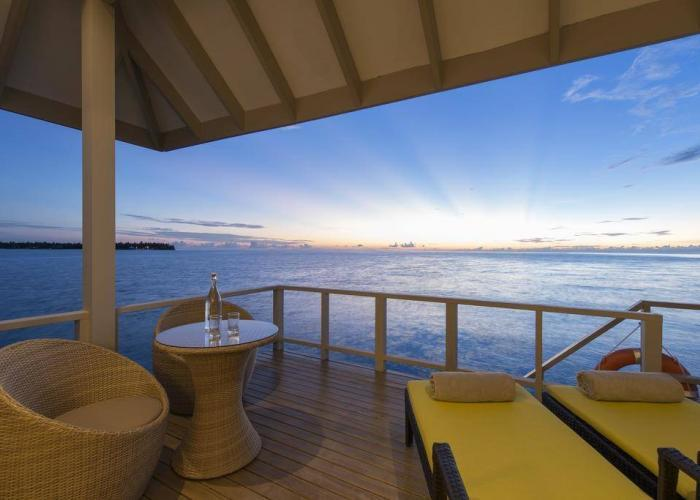 Summer Island Maldives Luxhotels (14)
