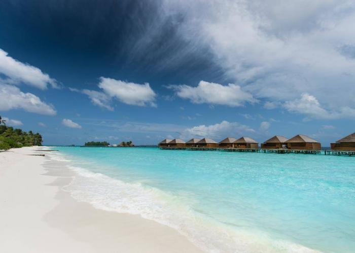 Veligandu Island Resort Luxhotels (12)
