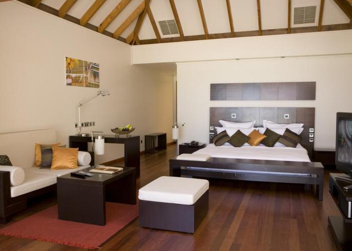 Veligandu Island Resort Luxhotels (3)