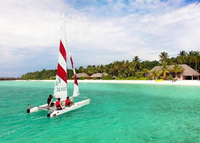 Veligandu Island Resort Luxhotels (7)