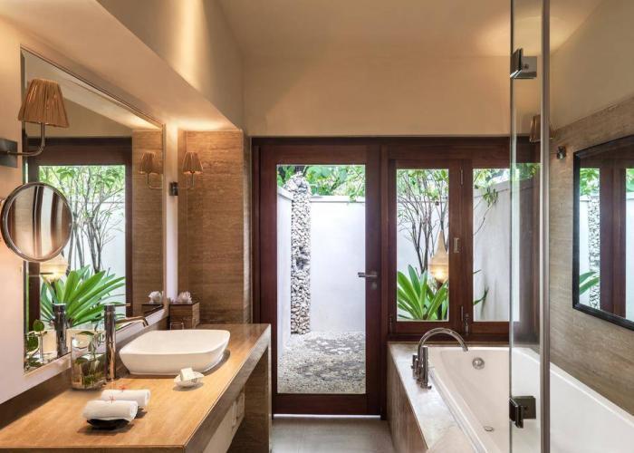 Vivanta By Taj Coral Reef Luxhotels (10)