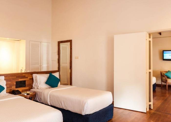 Adaaran Select Meedhupparu Luxhotels (3)