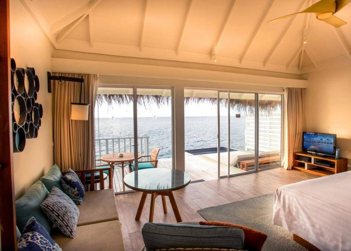 Centara Grand Island Resort & Spa Maldives Luxhotels (2)