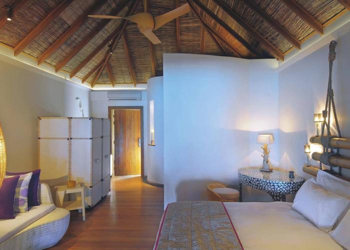 Constance Moofushi Maldives Luxhotels (12)