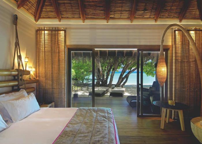 Constance Moofushi Maldives Luxhotels (13)