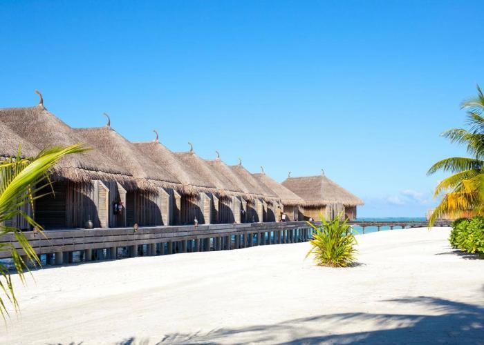 Constance Moofushi Maldives Luxhotels (7)