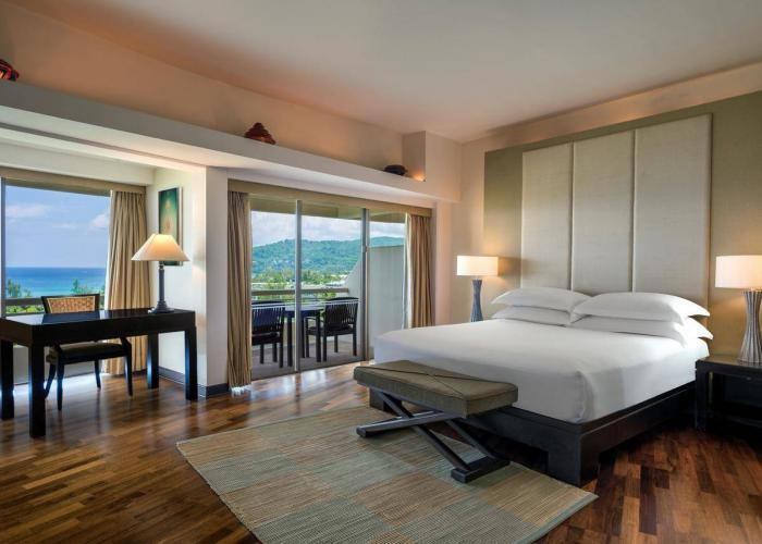 Hilton Phuket Arcadia Resort & Spa Luxhotels (1)