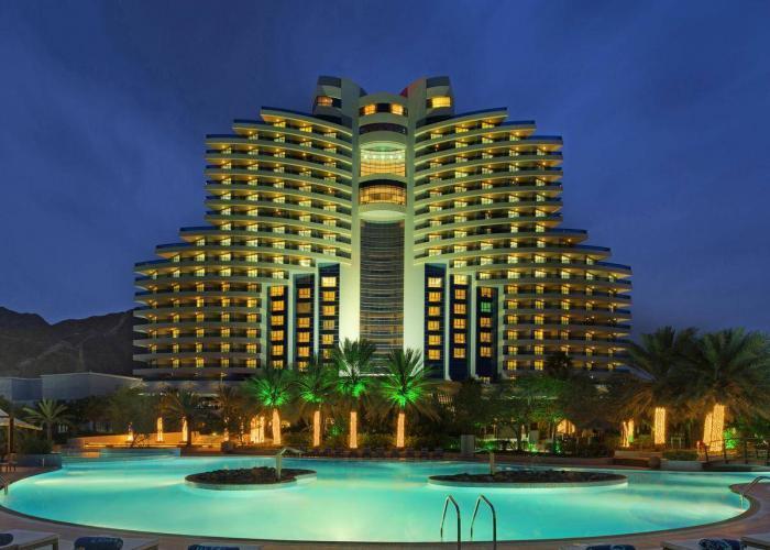 Le Meridien Al Aqah Beach Resort Luxhotels (11)