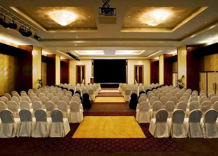 Le Meridien Al Aqah Beach Resort Luxhotels (13)