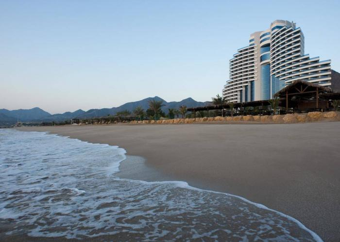 Le Meridien Al Aqah Beach Resort Luxhotels (2)