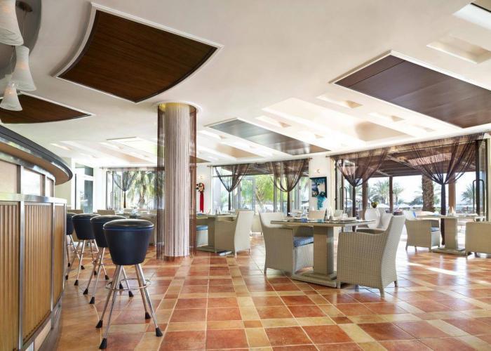 Le Meridien Al Aqah Beach Resort Luxhotels (6)