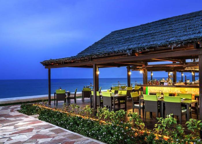 Le Meridien Al Aqah Beach Resort Luxhotels (8)