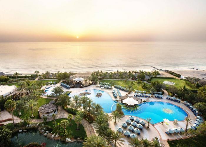 Le Meridien Al Aqah Beach Resort luxhotels (9)