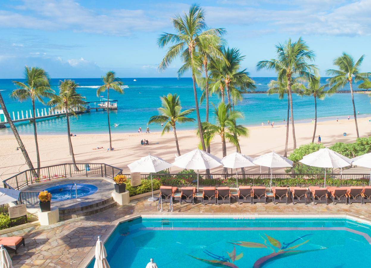 Hilton waikiki beach luxhotels (6)