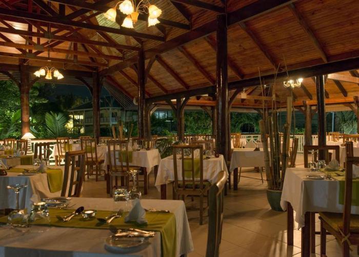 Acajou Beach Resort Luxhotels (5)