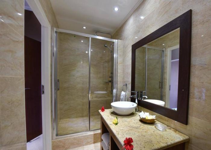Crown Beach Hotel Seychelles Luxhotels (4)