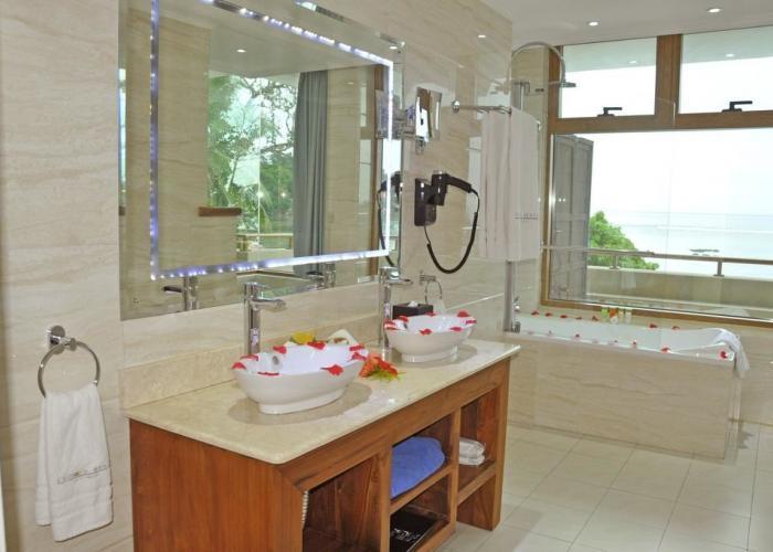 Crown Beach Hotel Seychelles Luxhotels (7)