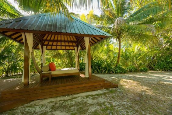 Denis Private Island Seychelles Luxhotels (9)