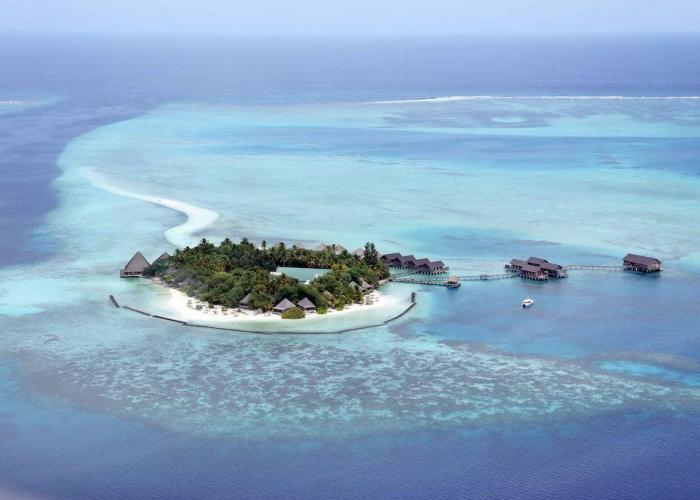 Gangehi Island Resort Luxhotels (11)