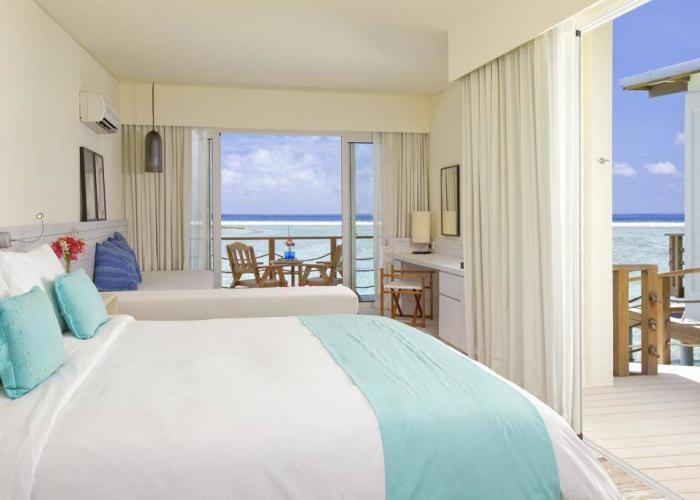 Holiday Inn Resort Kandooma Maldives Luxhotels (1)